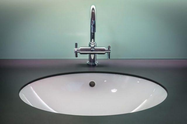 Aranżacja łazienki na poddaszu. Pomysły i inspiracje